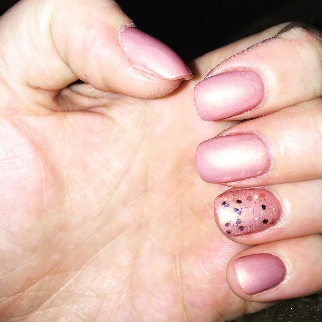 nice light pink nail design