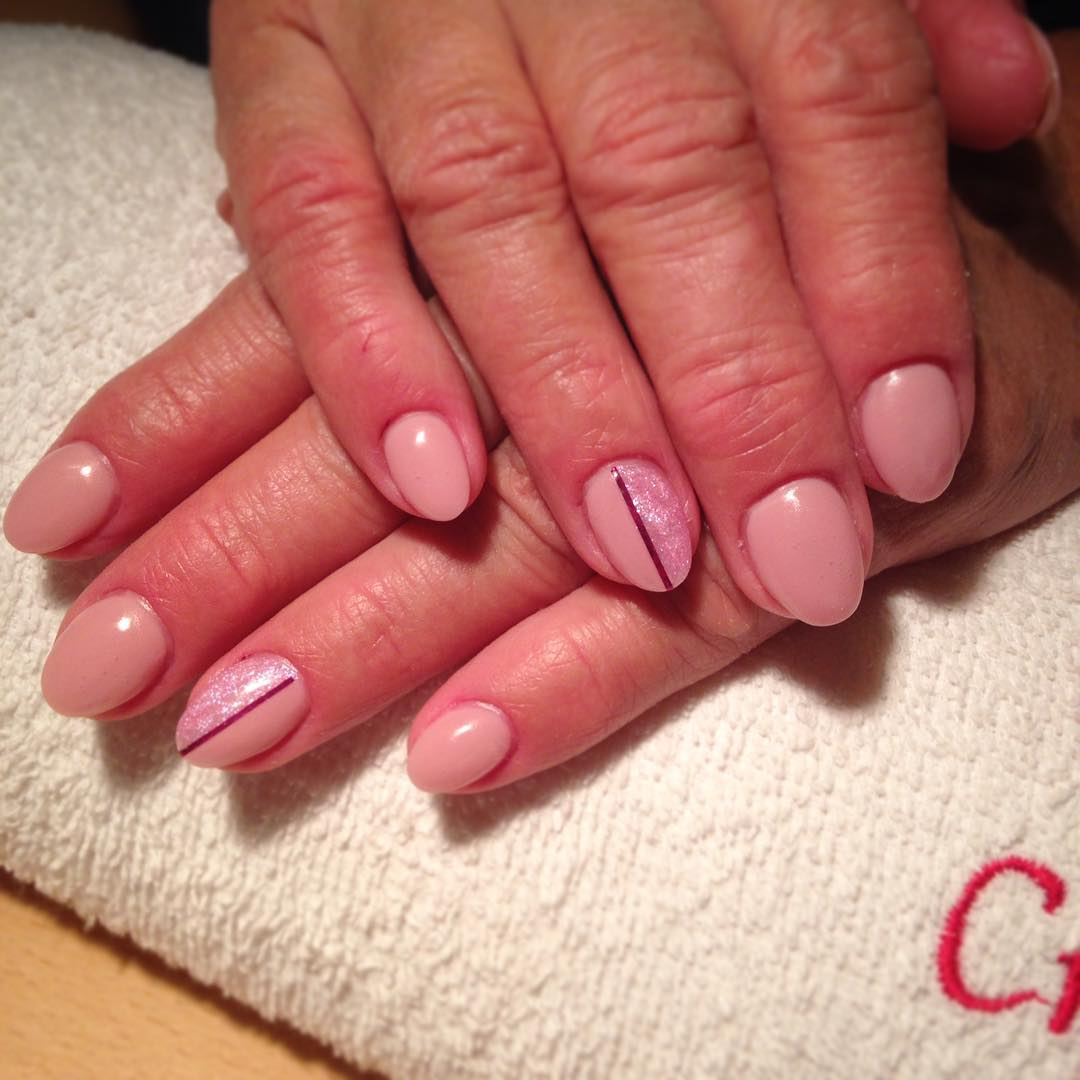 shining line light pink nail design