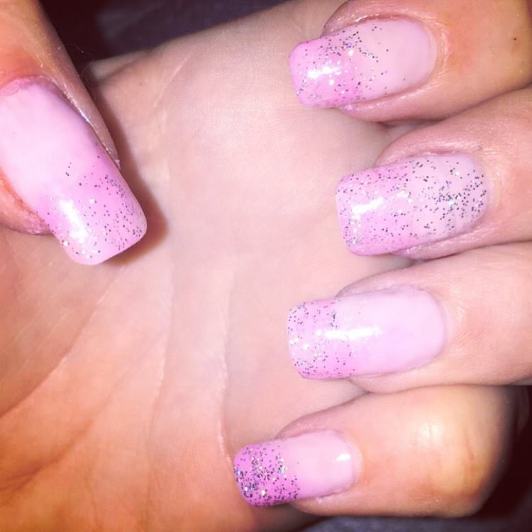 glitter design for light pink nails