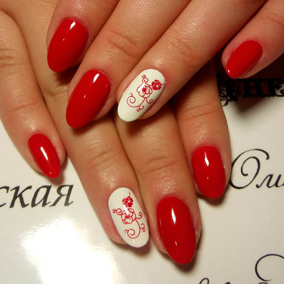 Red Flower Nail Design Looks So Beautiful