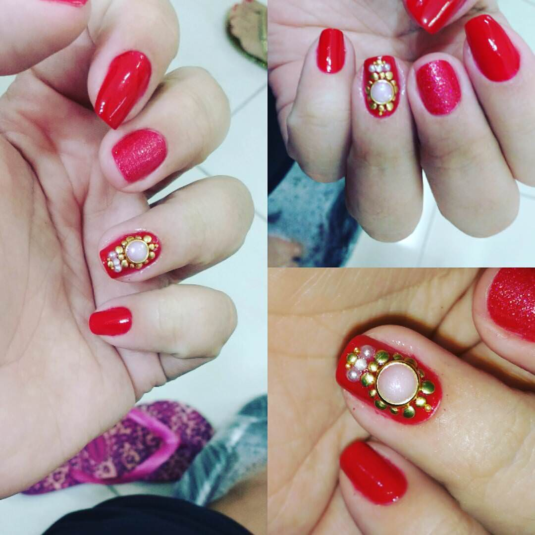 Women Loves Red Nail Design