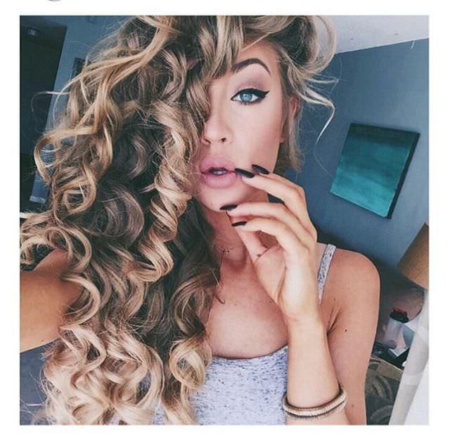 Blond wave wrinkls Curly Hairdo