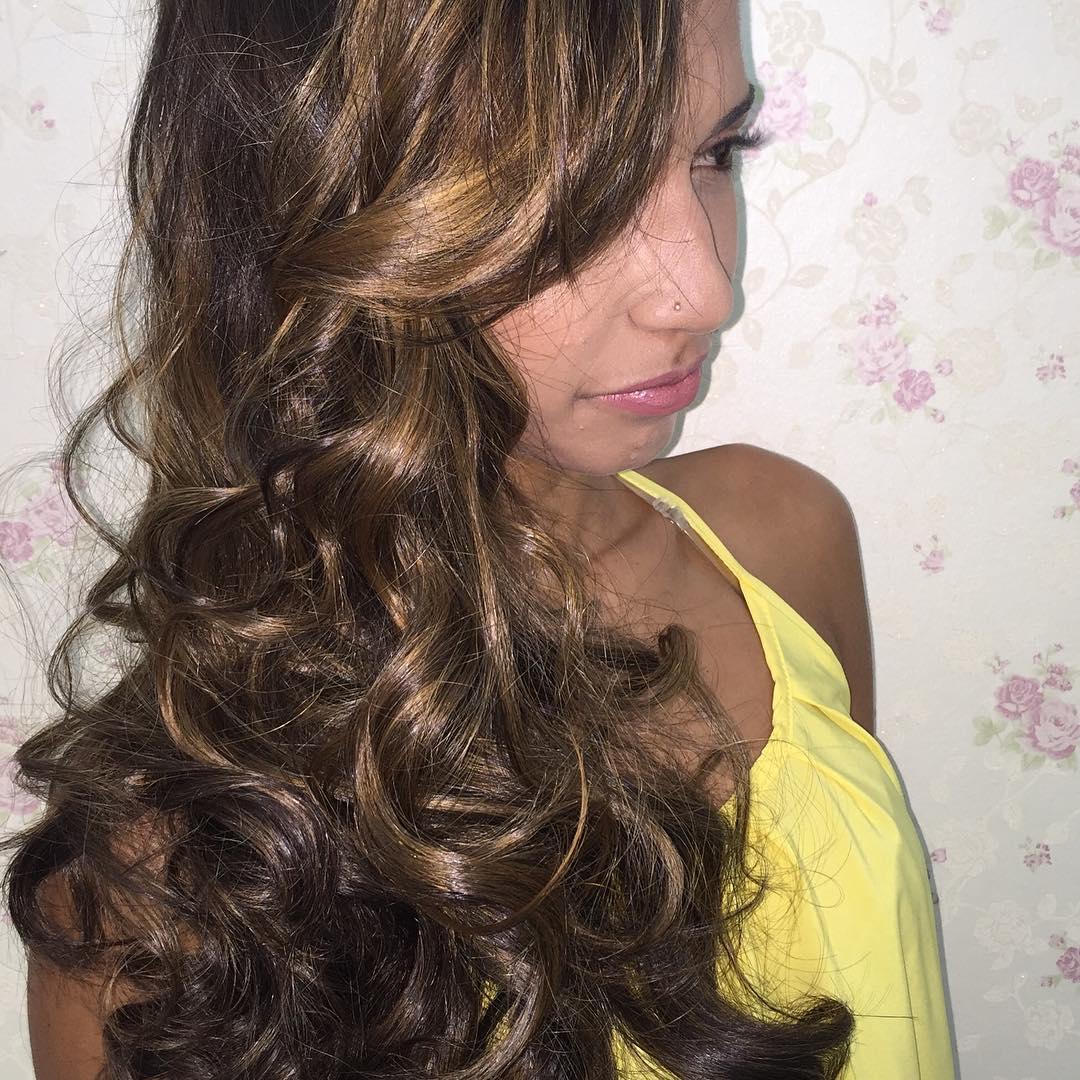 Caramel blonde wavey long hair