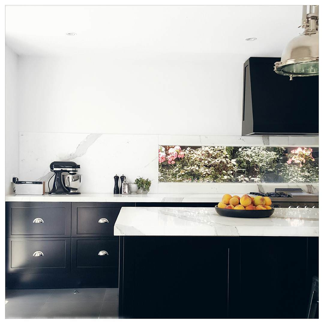 Dark kitchen cabinets a trend for Kitchen black cupboards