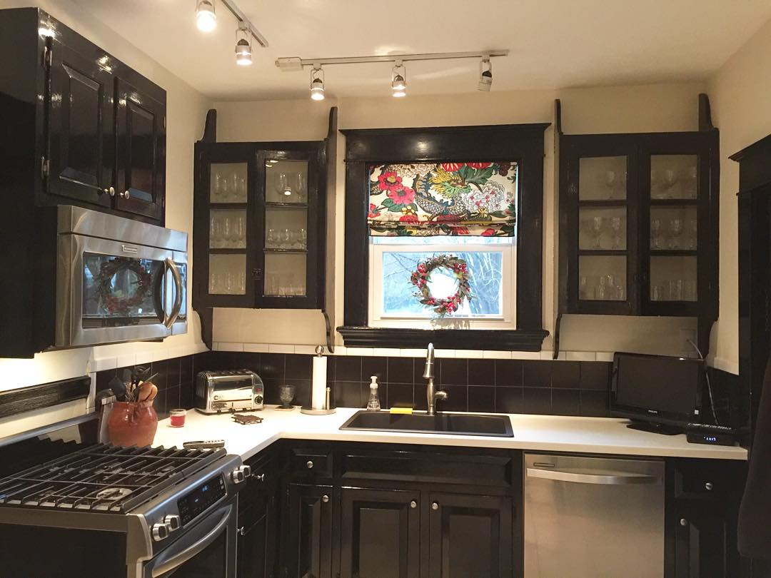 Lovely Kitchen Decor Black Cabinets