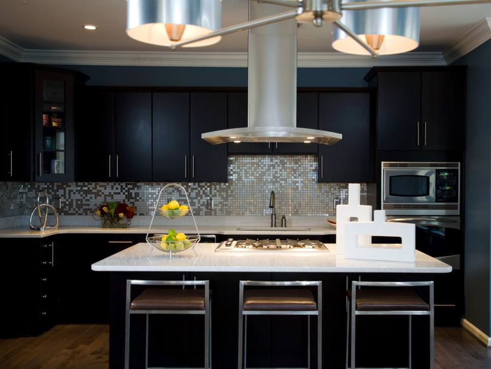Stylish Modern Kitchen Black Cabinets
