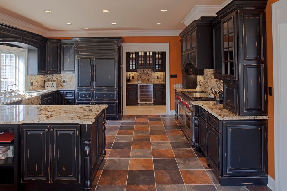 24 black kitchen cabinet designs decorating ideas for Black kitchen cabinets with dark floors
