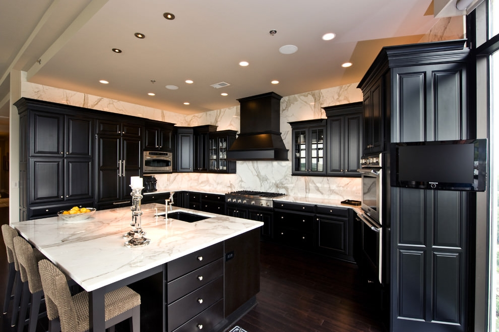 Exceptionnel Sophisticated Black Cabinets Kitchen