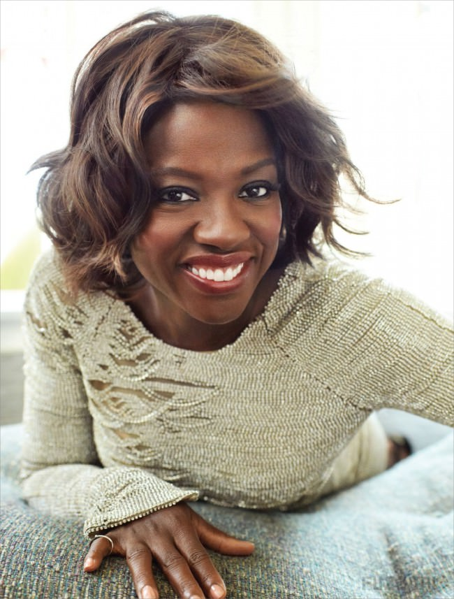 Viola Davis curly bob haircut