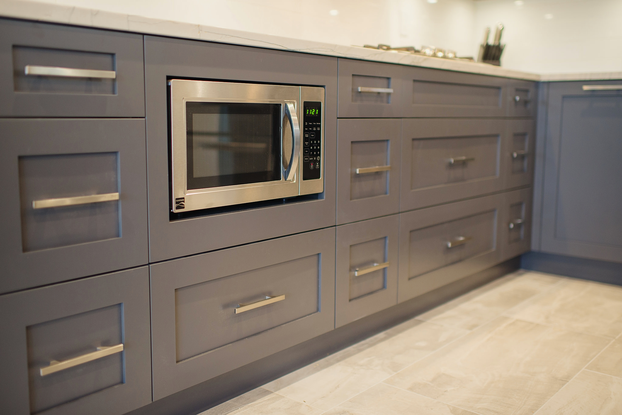 Grey kitchen cabinet trend for Kitchen cupboard units
