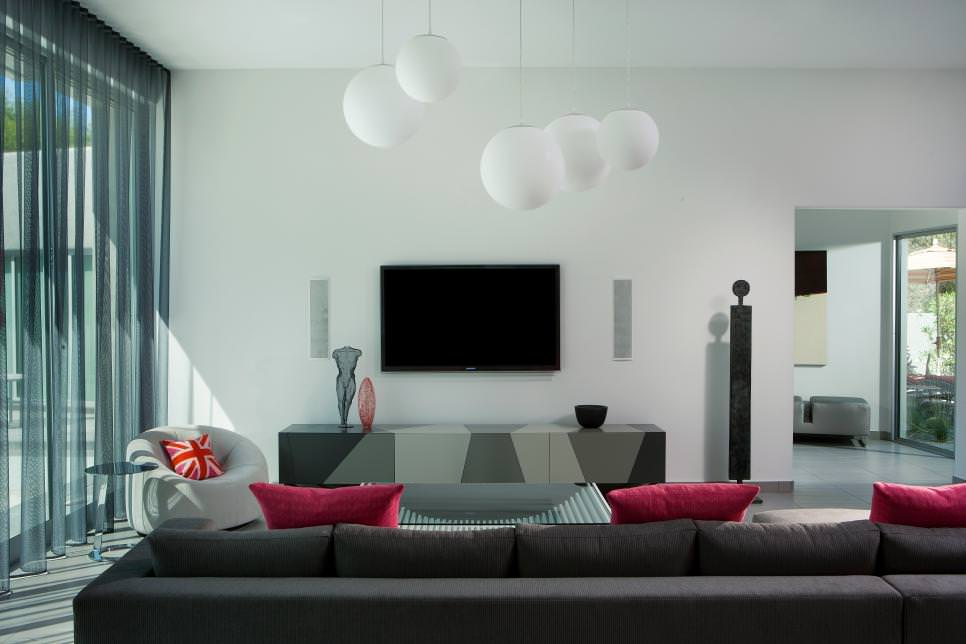 Modern Living Room With Pops of Pink
