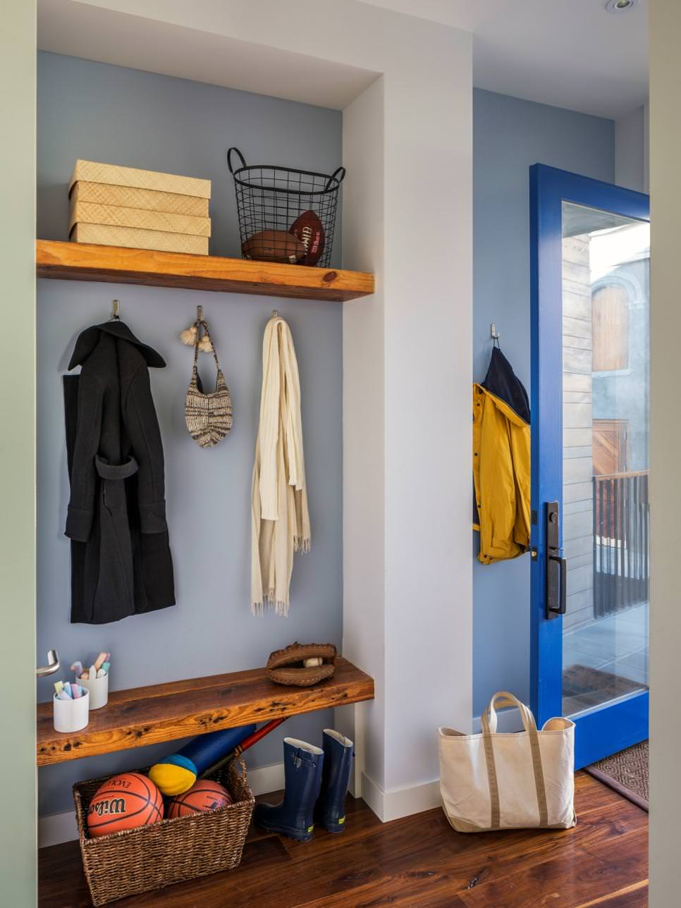 small hanging wall wooden shelves