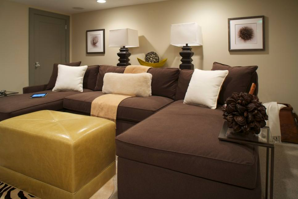 Casual Great Room With Brown Sectional