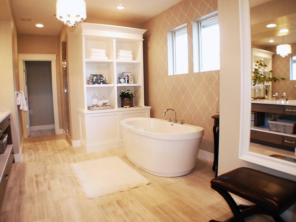Relaxing Neutra Spa Bathroom