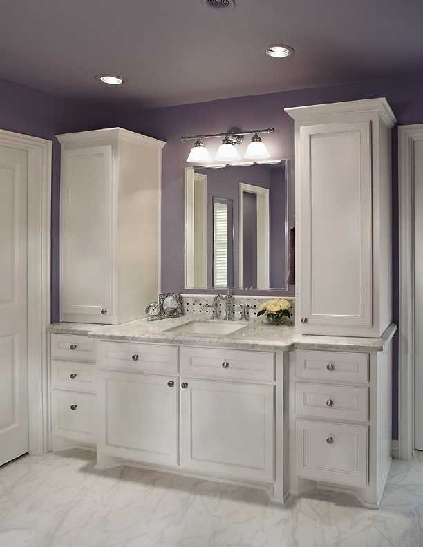 Modish Purple Bathroom Design