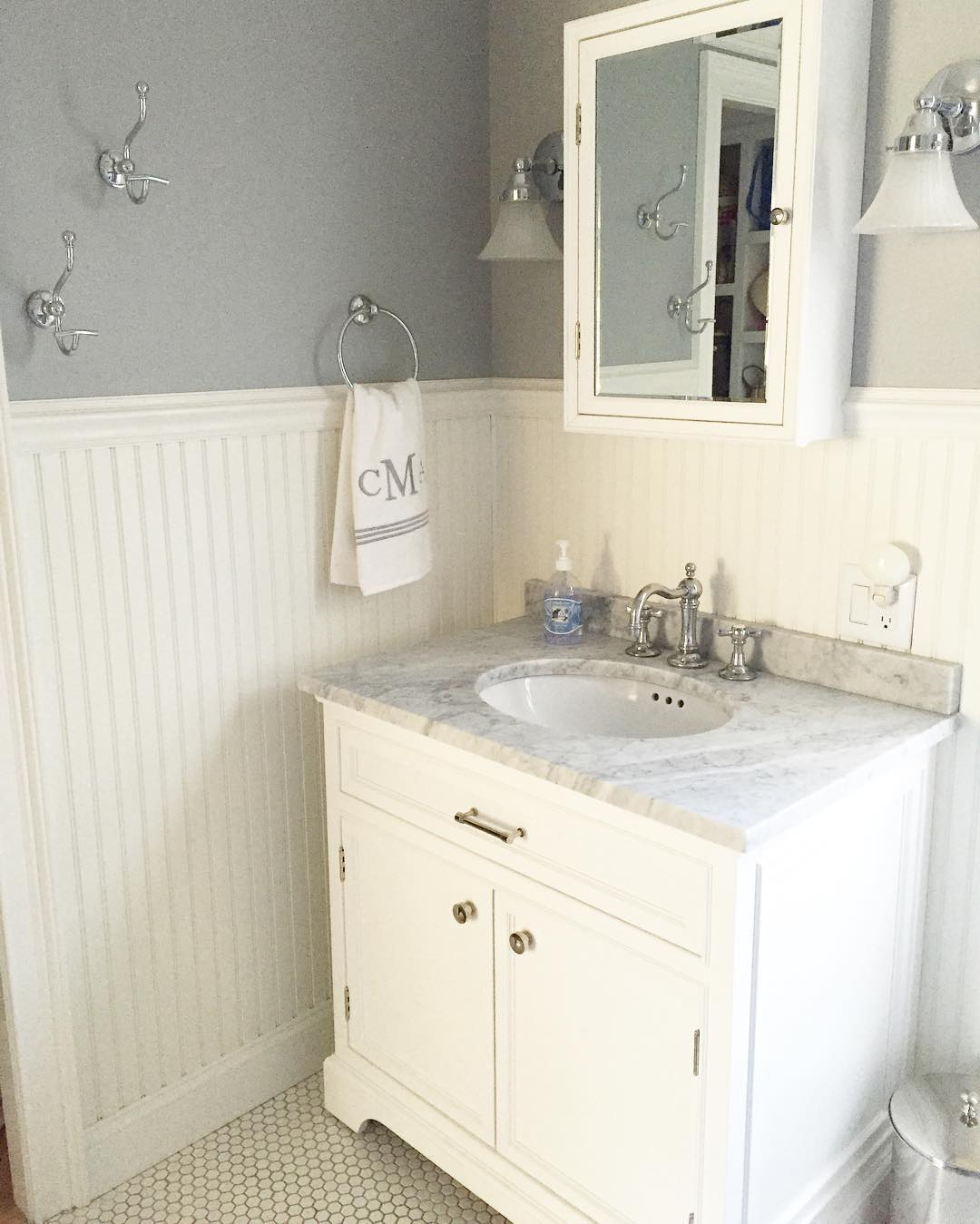 25+ White Bathroom Designs | Bathroom Designs | Design Trends ...