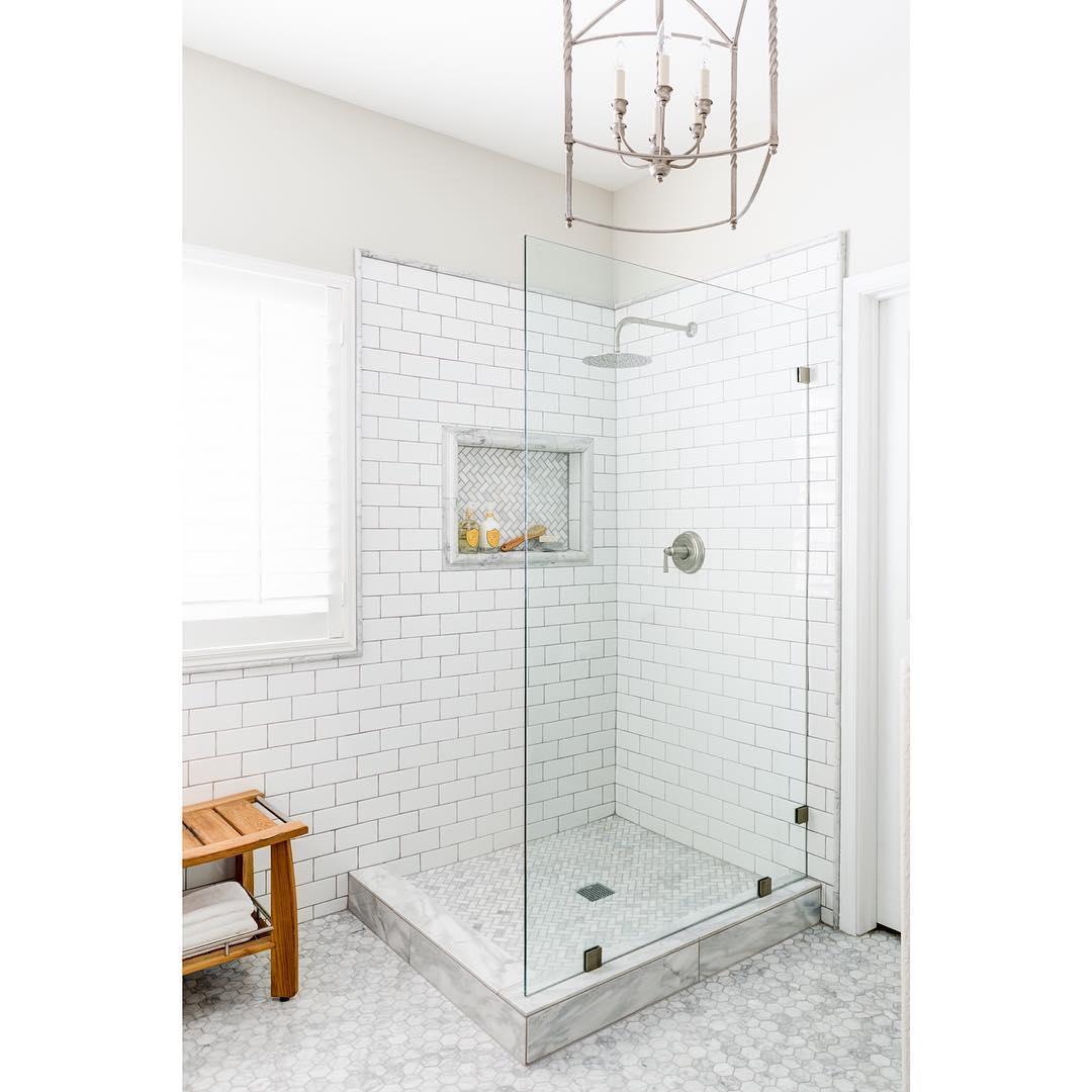 pale white bathroom design