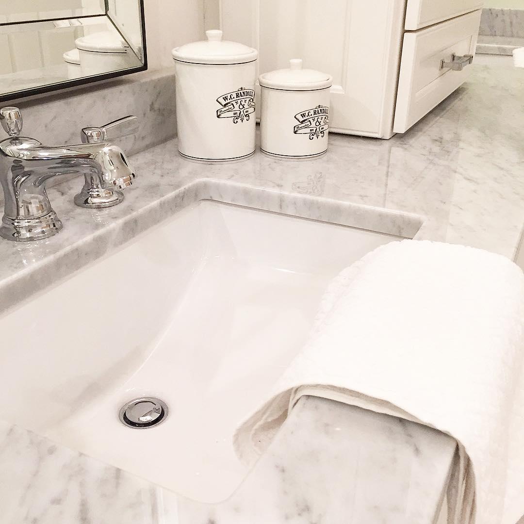 Snowy White Bathroom Design