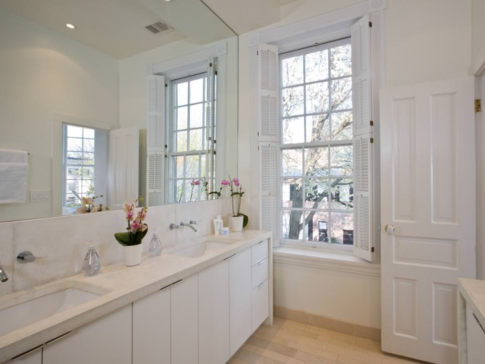 Stylish White Bathroom Design