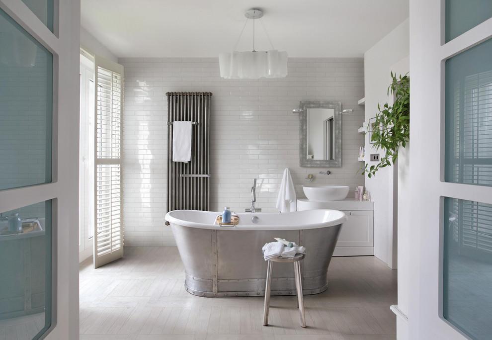 FarmHouse White Bathroom Design