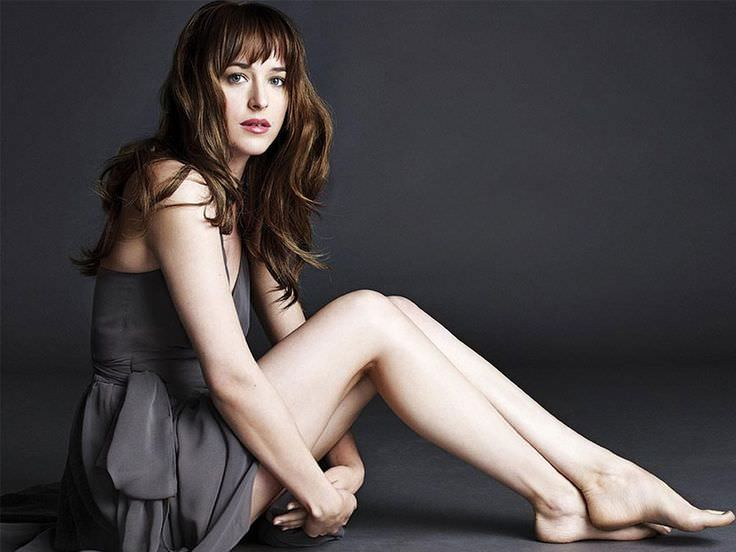 Dakota Johnson with Bed Head Look