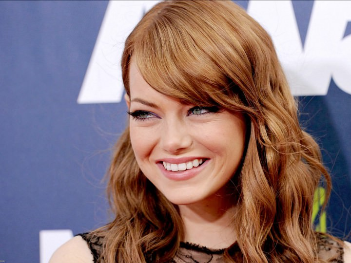 Emma Stone Straight Long Bob Hairdo