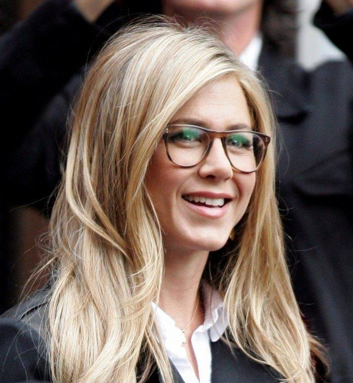 jennifer aniston in long hairstyle