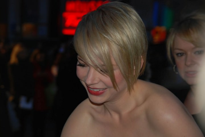 michelle williams eleagnt haircut with layers e1459831760633