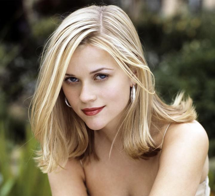 Reese Witherspoon Stunning in any Hairdo