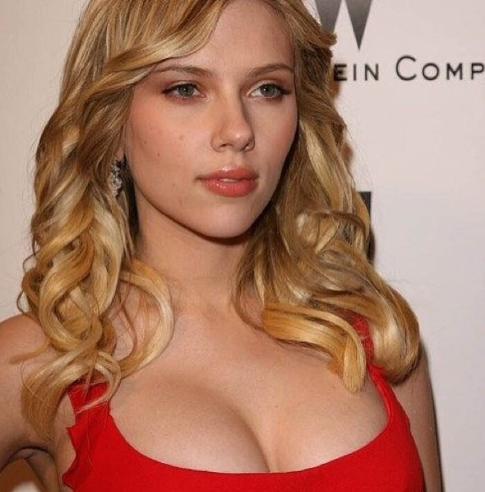 rumpled waves hair look by scarlett johansson
