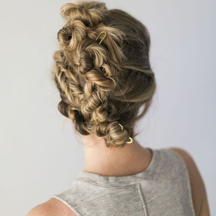 Twisted buns for long Hairs this summer