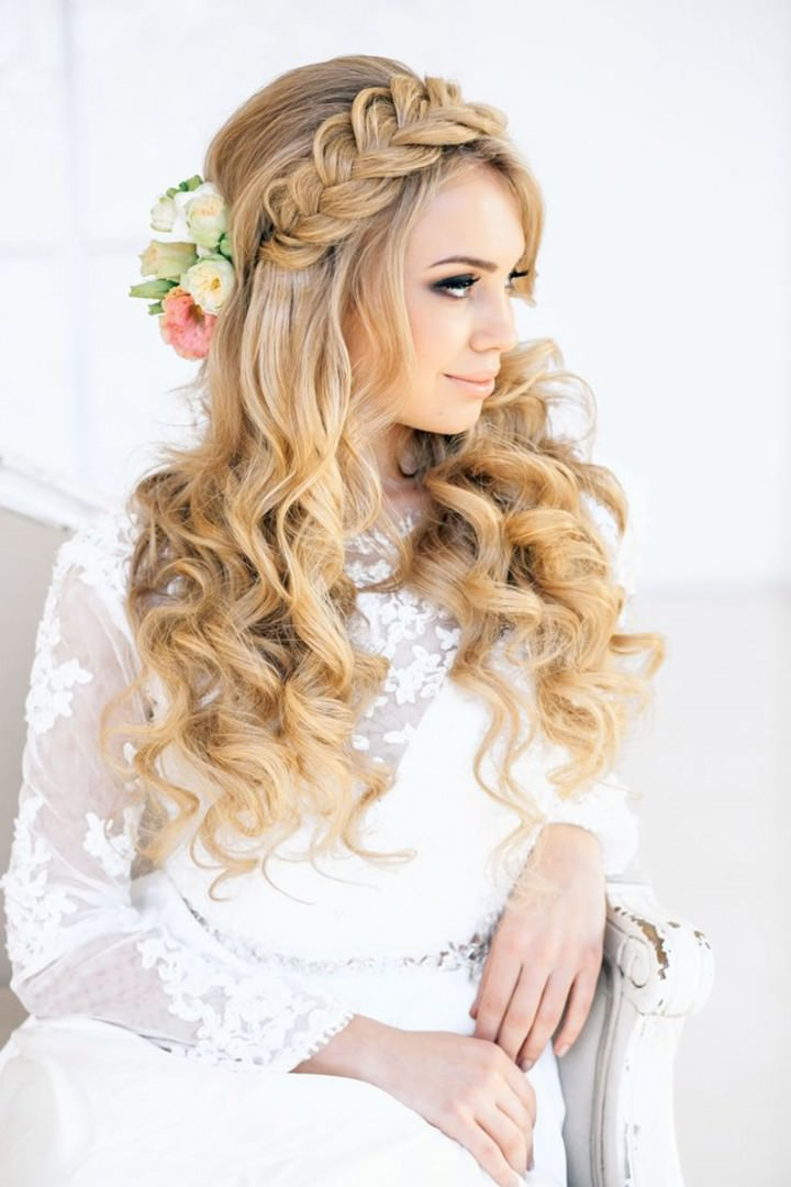 Wedding Spiral curled long layered hairstyle