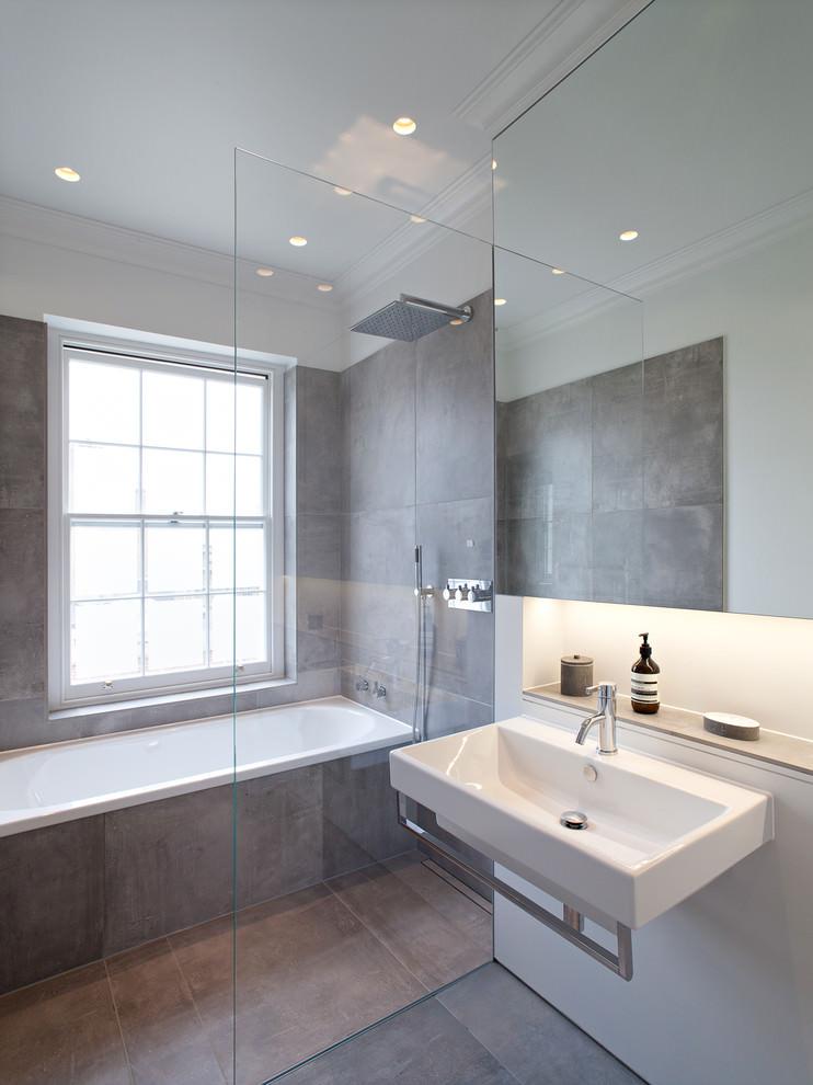 Sopisticated Grey Bathroom Design