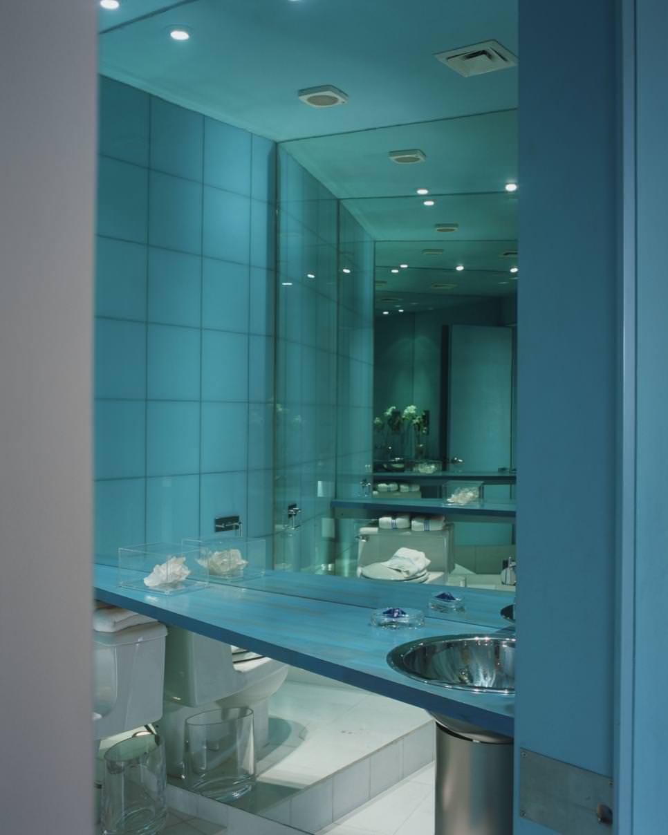 Tiffany blue bathroom designs - Radiant Blue Bathroom Design