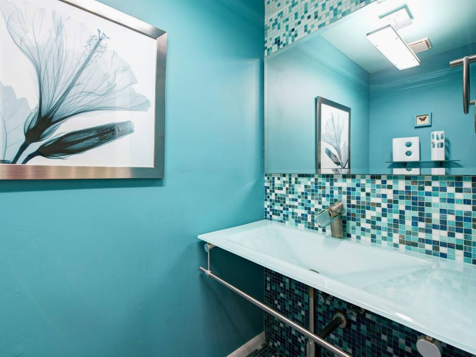 20 blue bathroom designs decorating ideas design for Bathroom ideas light blue