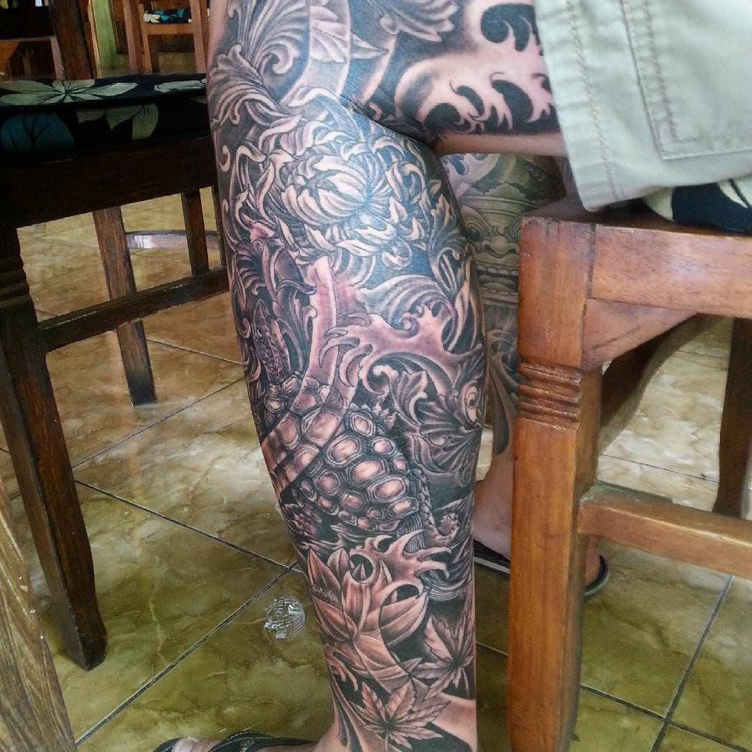 Dark Leg Sleeve Tattoo