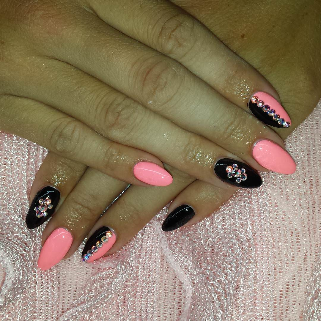 Pretty Pink & Black Nail Designs