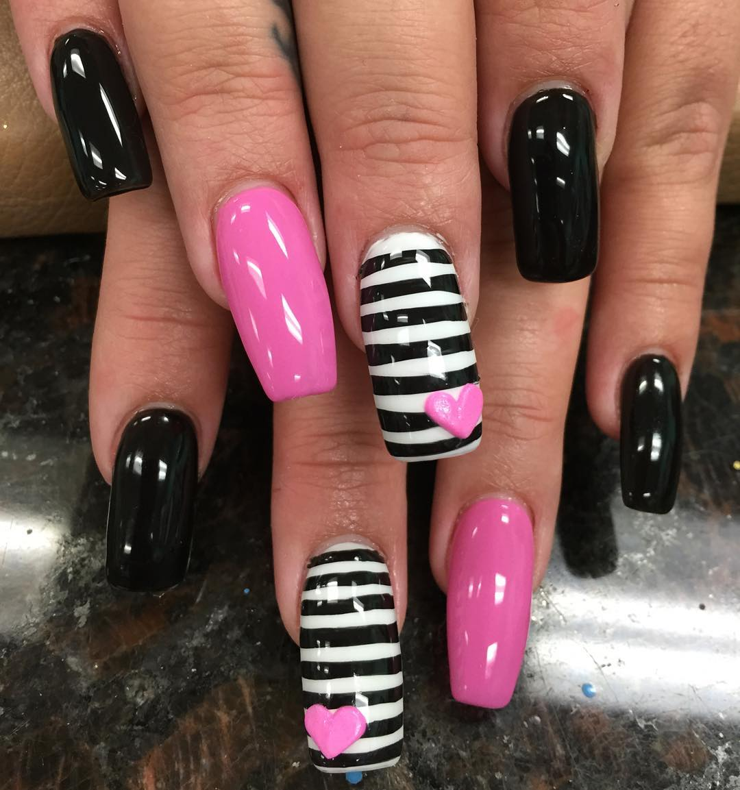 Black and Pink Striped Nail Art - Black And Pink Nail Designs Design Trends - Premium PSD, Vector