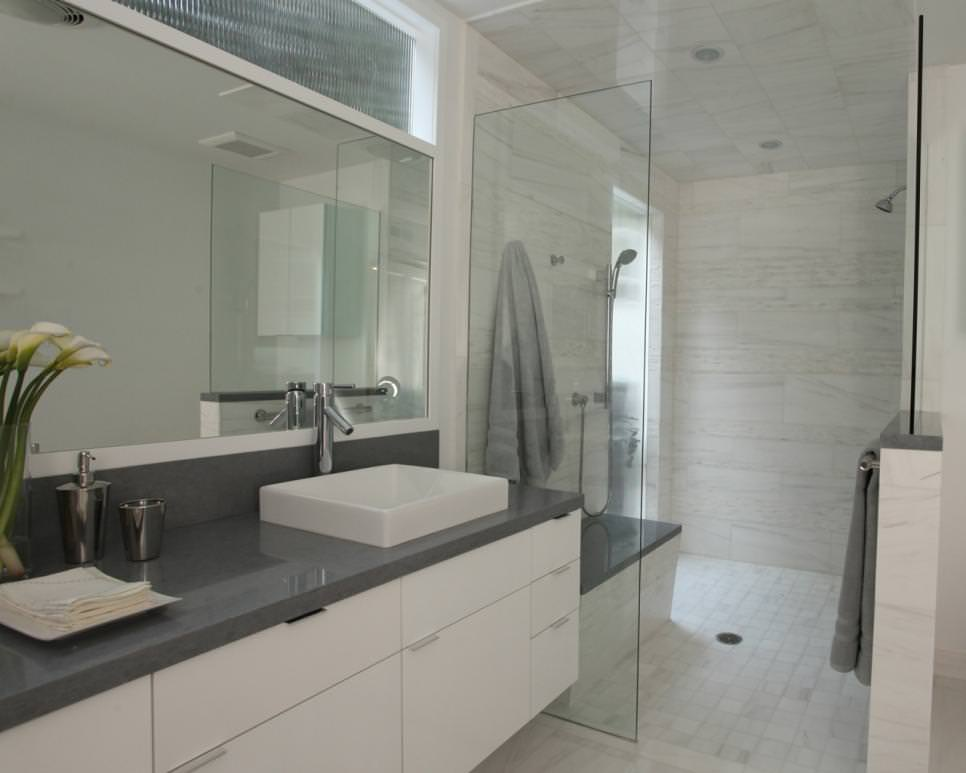 25 bathroom backsplash designs decorating ideas design - White bathroom ideas photo gallery ...