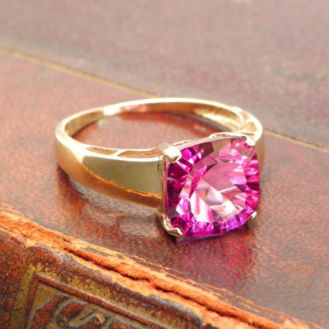 9ct solid yellow gold vinatge gold ring e1459860310160
