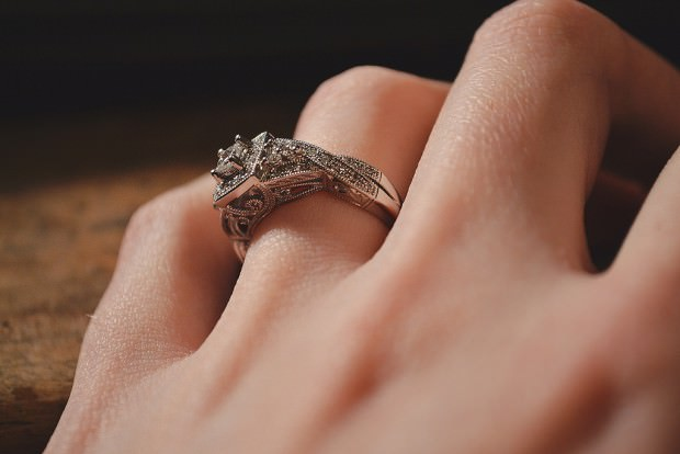 Elegant princess cut engagement ring with Nice Design
