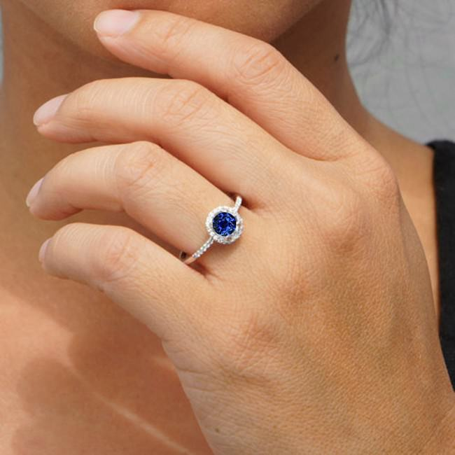 round classic sapphire and diamond vintage engagement ring e1459919881909