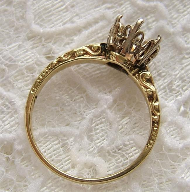 Vintage 14K Gold Semi Mount Engagement Ring
