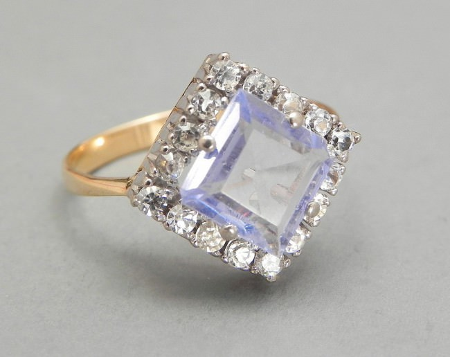 vintage art deco style ring with gray blue gemstone e1459858303978