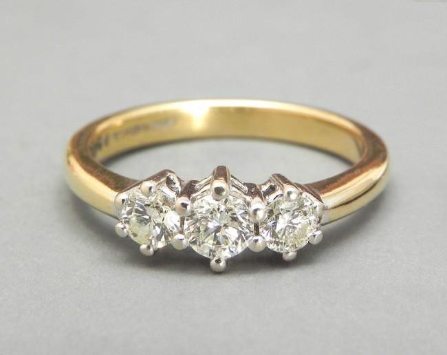 yellow gold and platinum wedding ring 18k e1459860180688