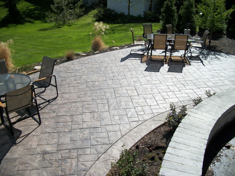 traditional concrete patio design