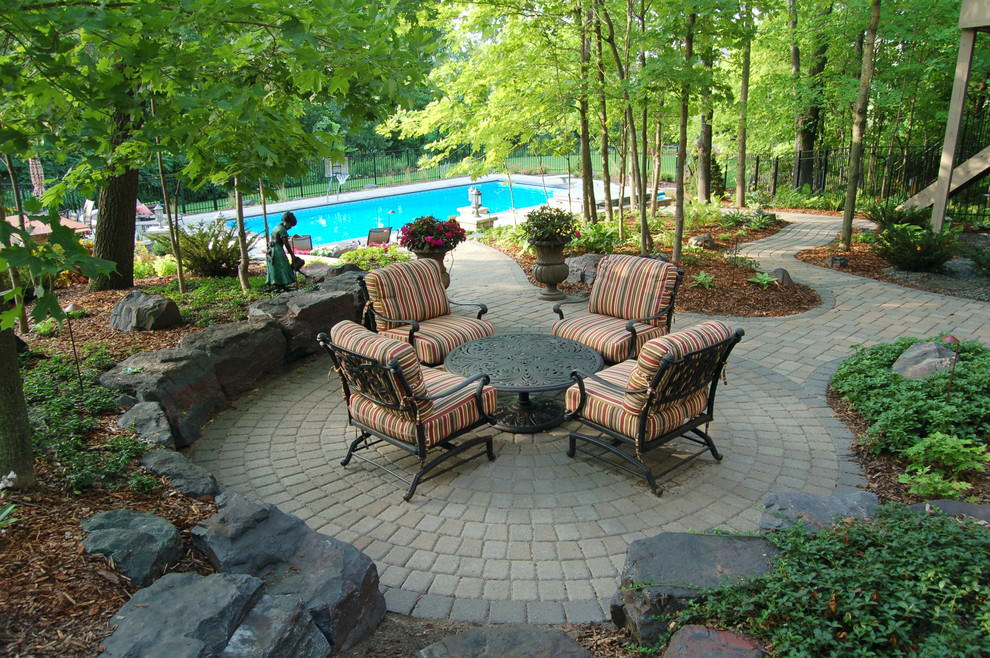 cricular paver patio design