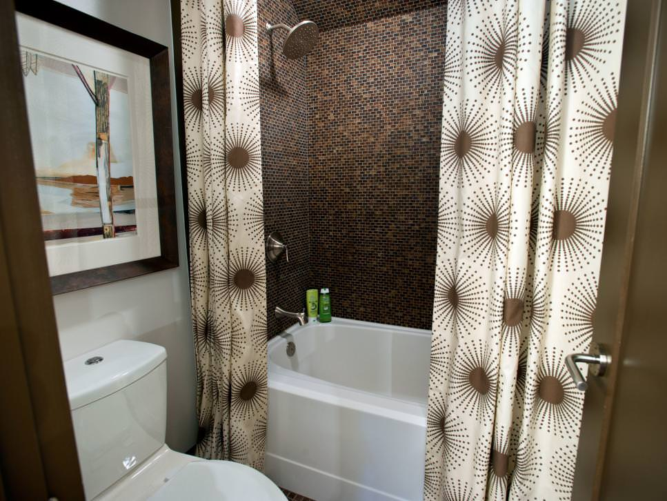 18 bathroom curtain designs decorating ideas design for Brown tile bathroom ideas