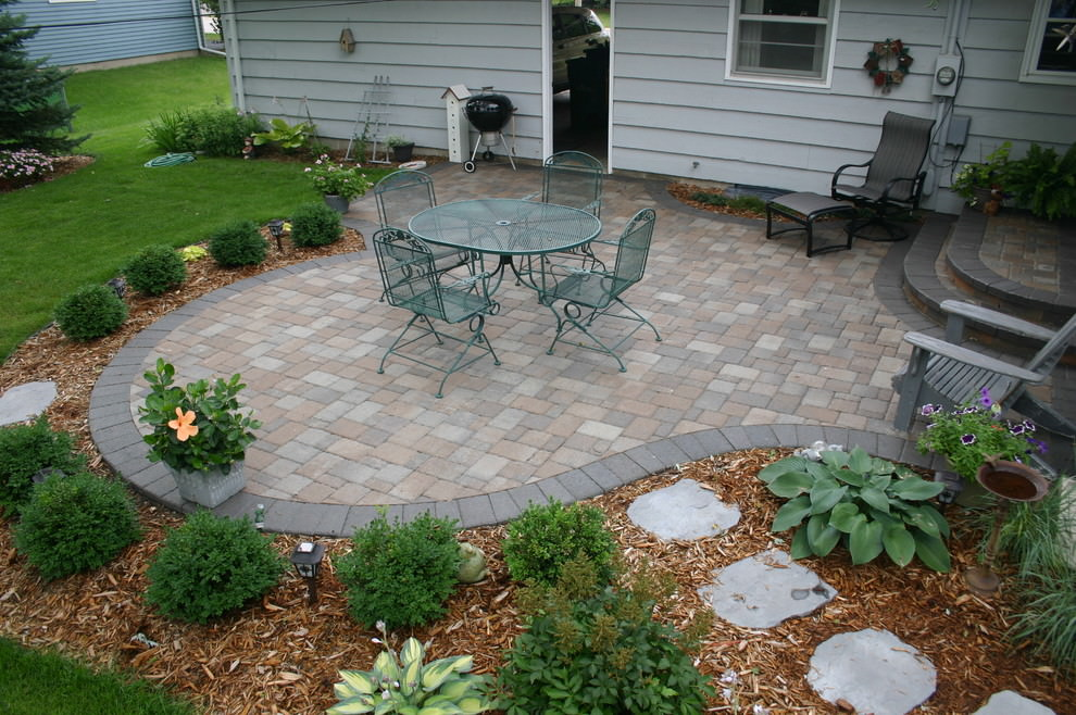 24 paver patio designs garden designs design trends for Paver patio ideas pictures