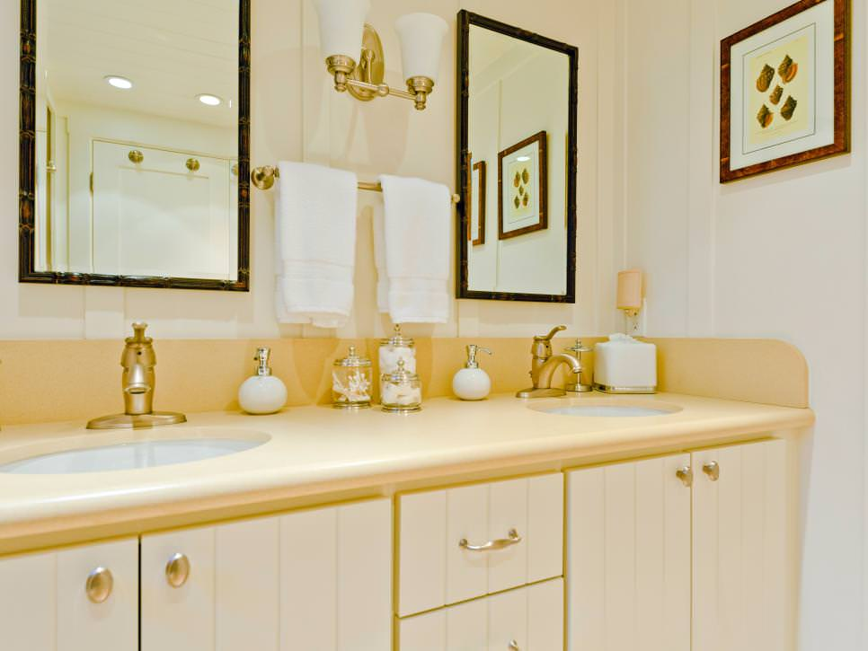 21 Bathroom Decor Ideas That Bring New Concepts To Light: 20+ Yellow Bathroom Designs, Decorating Ideas